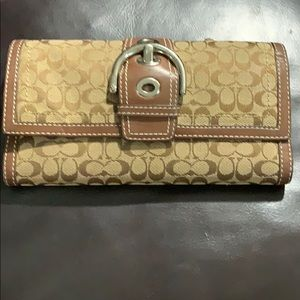 Coach- Large Vintage signature Wallet BNWT